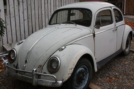 1962_Volkswagen_Beetle_(2890483723)
